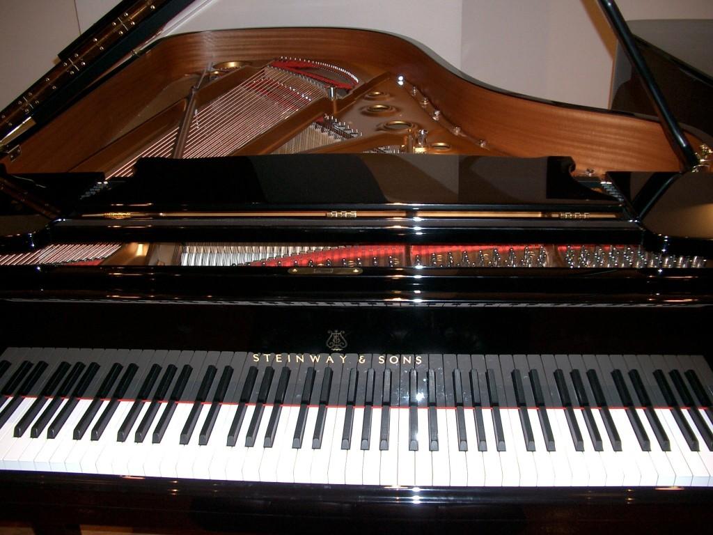 見出しtopのピアノ画像 061